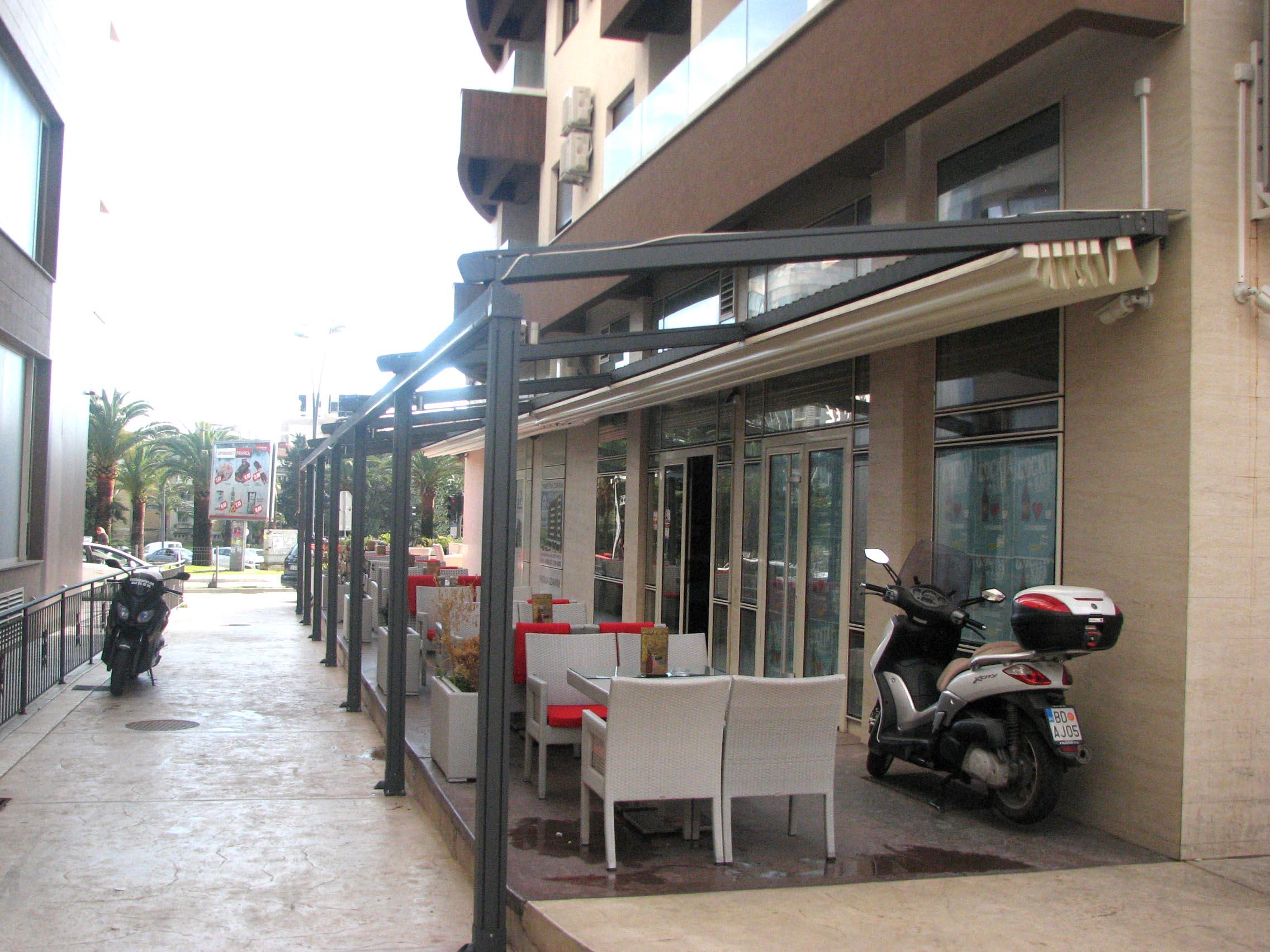 Poslovni objekat ''Bilijar klub'' u Budvi