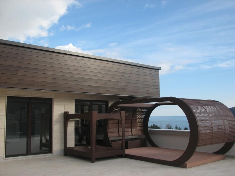 Poslovno stambeni objekat  ''Penthouse'' u Budvi