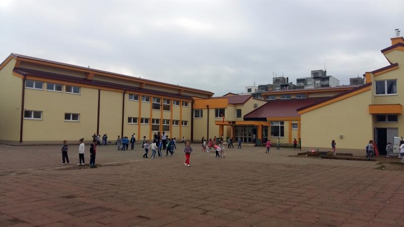 Osnovna škola ''Oktoih'' u Podgorici